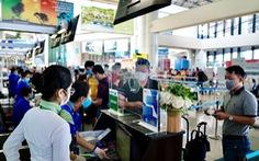 Hành khách đi máy bay tại Nội Bài được kiểm tra y tế 2 lần