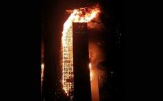 Lửa bao trùm tòa nhà 33 tầng ở Hàn Quốc giữa đêm