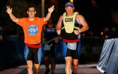 Chris Nikic: Bệnh nhân Down đầu tiên trong lịch sử hoàn tất cuộc thi 'Người sắt'
