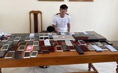 Bắt bảo vệ khách sạn trộm 80 điện thoại di động