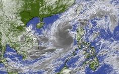 Sáng mai bão số 13 ngay trên biển Việt Nam, tâm bão gió giật cấp 15, sóng cao 10m