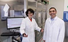 Vắc xin ngừa COVID-19 và câu chuyện vợ chồng 'trời sinh một cặp'