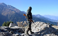 Ấn Độ - Pakistan đấu pháo dữ dội ở Kashmir, hơn 13 người chết