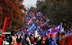Hàng ngàn người ủng hộ ông Trump xuống đường ở Washington