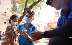 Đổi rác nhận cây xanh, làm gạch xây trường cho trẻ em nghèo