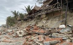 Sóng lớn nuốt chửng bờ biển An Bàng, hàng loạt nhà hàng bị sụt lún, đổ vùi