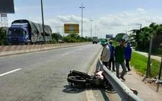 Va chạm xe máy làm chết thai phụ, tài xế xe tải nói không hay biết