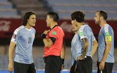 Suarez vắng mặt, Cavani thẻ đỏ, Uruguay thua Brazil 0-2