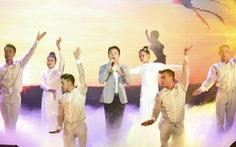 Cùng em vượt lũ: Thêm 2,1 tỉ đồng giúp học sinh Quảng Trị