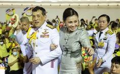 Nói về người biểu tình, vua Thái tuyên bố 'yêu mọi người dân như nhau'
