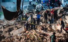 Thổ Nhĩ Kỳ cứu sống cụ ông 70 tuổi sau 33 giờ mắc kẹt vì động đất