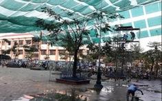 Một trường ở TP.HCM cho học sinh nghỉ học vì ảnh hưởng dông lốc