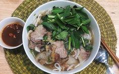 Từ Sài Gòn, vượt 200 cây số ăn tô phở miền Tây 'thơm ngọt như mía lùi'