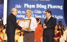 Anh đạp xích lô tốt nghiệp đại học năm 40 tuổi nhận giải thưởng Võ Trường Toản