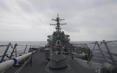 Tàu chiến Nga dọa đâm tàu khu trục Mỹ