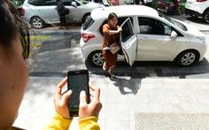 Tăng thuế, xe công nghệ tính tăng giá