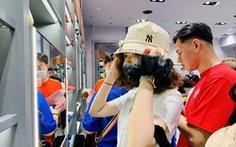 TP.HCM: đổ dồn về trung tâm thương mại 'săn sale' Black Friday