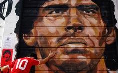 Maradona - thiên sứ của bóng đá đã rời xa