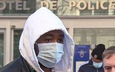 3 cảnh sát Paris bị đình chỉ do đánh đập một người da màu không đeo khẩu trang
