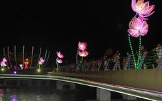 Lung linh đêm hoa đăng bên bến Ninh Kiều