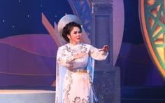 Trao 19 huy chương cho Tài năng diễn viên sân khấu cải lương Trần Hữu Trang năm 2020