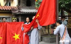 Lễ trao cờ Tổ quốc kỷ niệm 39 năm thành lập Trung ương Giáo hội Phật giáo Việt Nam