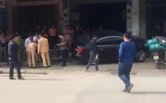 Tài xế ôtô không bằng lái tông 2 cha con tử vong ra trình diện