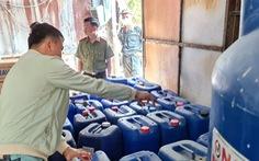 Công an Bình Dương triệt phá cơ sở làm giả nước tẩy rửa quy mô lớn
