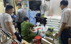 Tạm giữ 3 nghi phạm sản xuất bột ngọt giả ở quận 8
