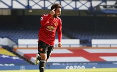 Bruno Fernandes tỏa sáng, Man Utd ngược dòng đá bại Everton
