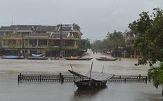 Sáng nay 2-12, Trung Bộ mưa lớn diện rộng