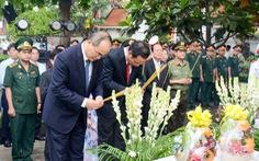 Lãnh đạo TP.HCM dâng hương tưởng niệm cố Chủ tịch nước, đại tướng Lê Đức Anh