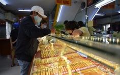 Giá vàng sáng giảm, chiều tăng nhưng thị trường lạnh nhạt