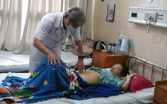 Hơn 3 tiếng mổ lấy khối u 4,5kg như bà bầu 8 tháng