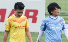 Quang Hải bị đau, bỏ dở buổi tập của tuyển Việt Nam