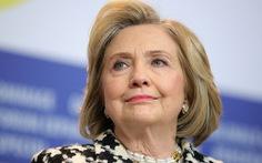 Bà Hillary chê nghị sĩ Cộng hòa ẻo lả, ví Trump như 'hoàng đế ở truồng'