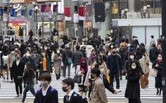 Mùa đông đang về, COVID-19 đe dọa 'nhấn chìm' Nhật, Hàn