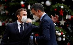 Nhiều lãnh đạo châu Âu tự cách ly do đã tiếp xúc Tổng thống Pháp