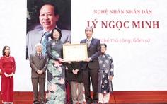 TGĐ Công ty gốm sứ Minh Long nhận danh hiệu Nghệ nhân nhân dân