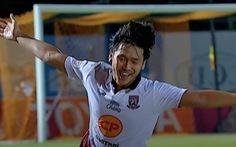 Khoảnh khắc sao trẻ Thái Lan tái hiện pha ghi bàn từ sân nhà của Beckham