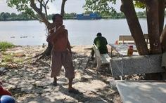 Thi thể nữ mất nửa đầu và cánh tay phải, không mặc áo trên sông Sài Gòn