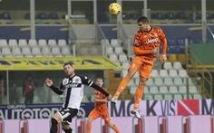 Bật cao đánh đầu ghi bàn, Ronaldo giúp Juventus 'vùi dập' Parma