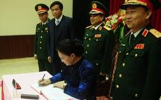Chủ tịch Quốc hội thăm Bộ tư lệnh Quân khu 5