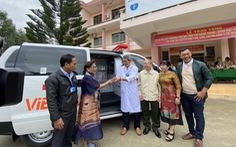 Trao xe cứu thương cho huyện vùng sâu Đắk Lắk