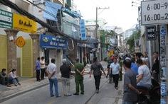 TP.HCM: Nổ nghi do bình ga ở quán bún, tường nhà vương vãi ra đường