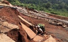 Vẫn chưa khắc phục được con đường 27 tỉ chưa bàn giao đã vỡ toác
