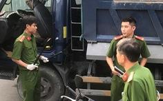 Bị 'tạt đầu', tài xế xe tải chặn và đánh chết tại chỗ người chạy xe máy