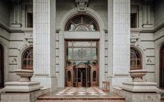 Hơn 10 năm kiến tạo cung điện đá D'. Palais Louis không hề phí hoài