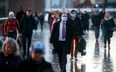 Vương quốc Anh ghi nhận hơn 1.000 người chết một ngày vì COVID