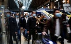 100.000 cảnh sát Pháp ra quân ngăn chặn... tiệc tùng đêm giao thừa
